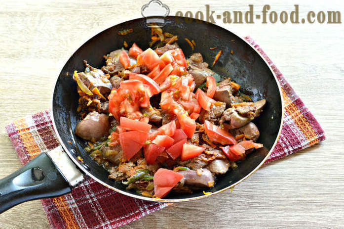 Braised chicken liver with vegetables - how to cook the chicken livers in the pan, a step by step recipe photos