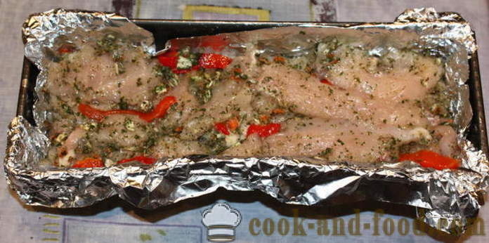 Delicious chicken roll in the oven - how to make a roll of chicken at home, step by step recipe photos